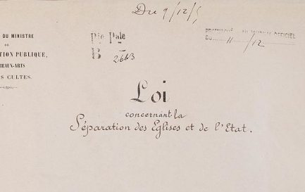 Difficile aménagement de la loi de 1905 en France / ©Archives nationales, Domaine public, via Wikimedia Commons
